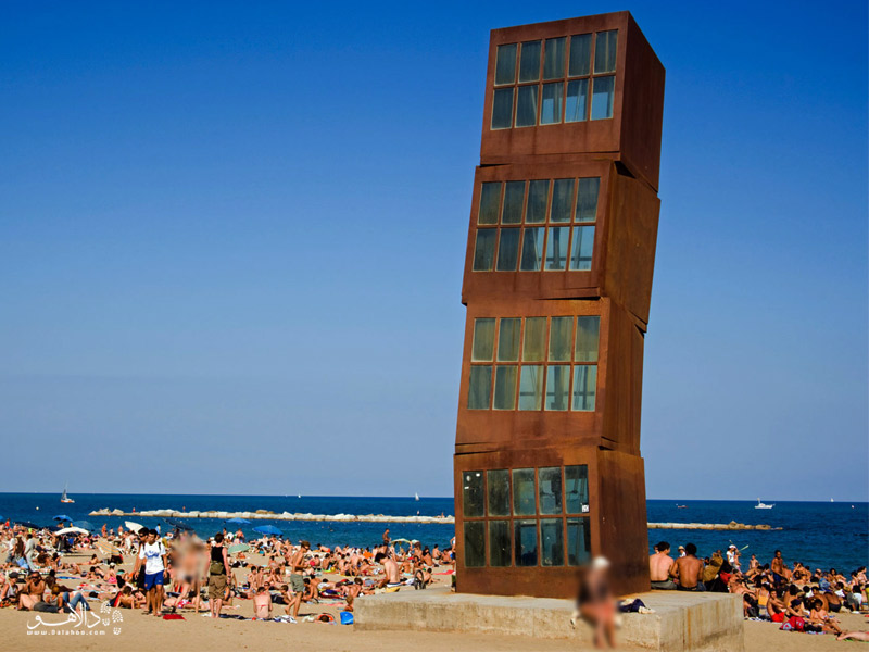 برج کج ساحل بارسلون