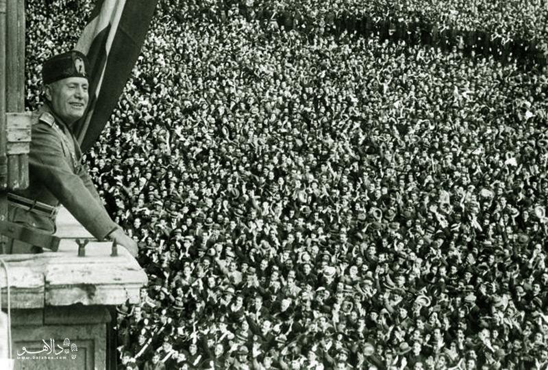 سخنرانی موسیلینی در میدان ونیز