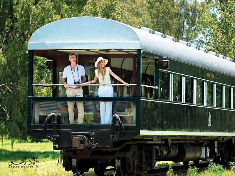 قطارهای تانزانیا آرام حرکت میکنند و میتوانید از داخل آنها مناظر دیدنی را تماشا کنید.