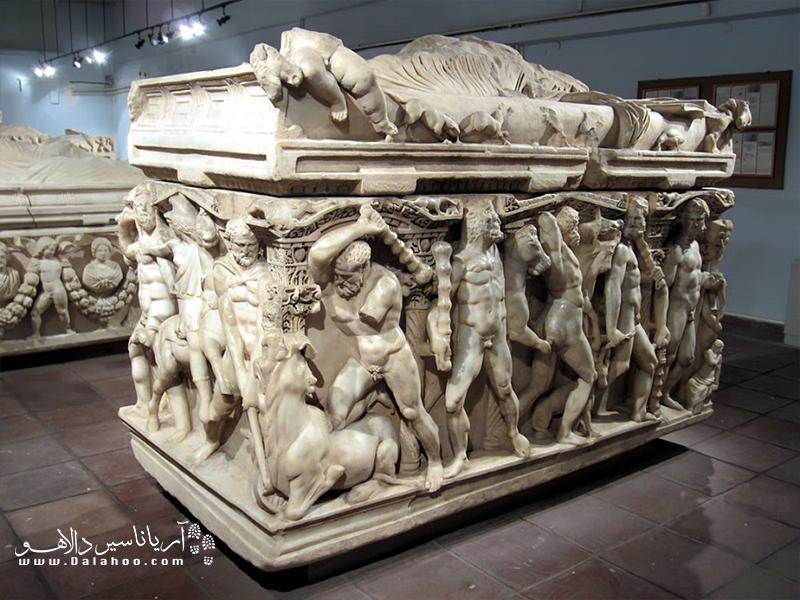 موزه باستان شناسی قونیه، یکی از جاذبههای مهم گردشگری در قونیه است.