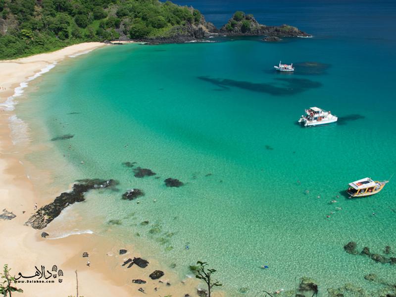ساحل بایا دو سانچو یکی از دیدنیترین سواحل برزیل است.