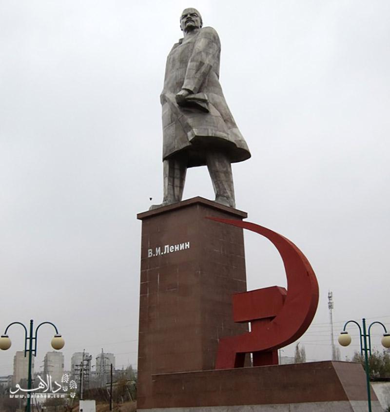 مجسمه لنین در خجند
