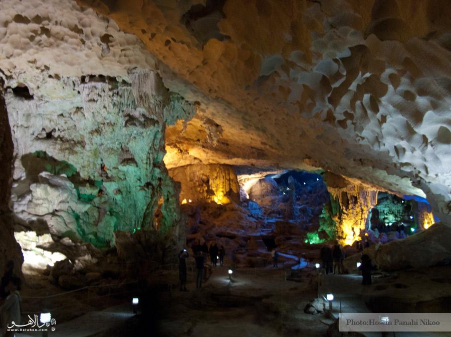 غار شگفت انگیز در خلیج هالونگ