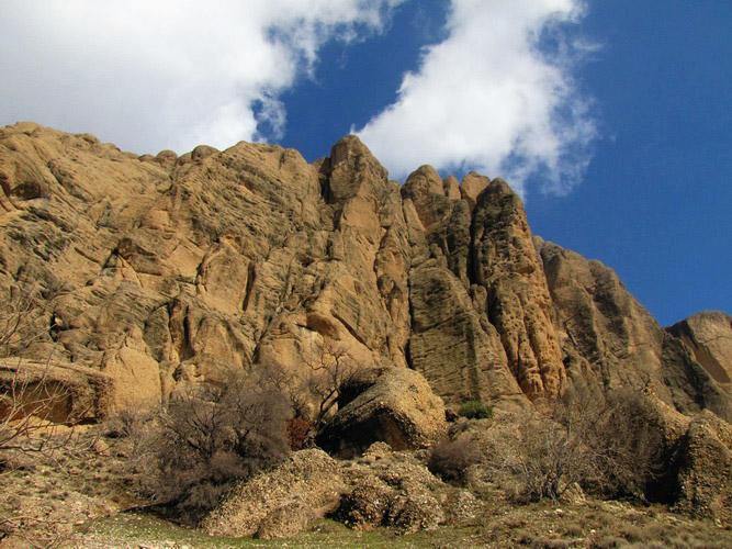 کوه هفت تنون