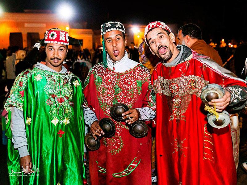 هر سال 5000 دونده برای ماراتن مراکش در میدان بزرگ حاضر میشوند.