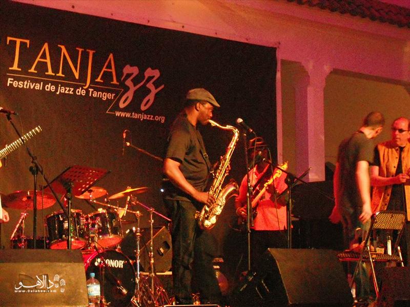 طنجاز: فستیوال موسیقی جاز هر ساله در شهر طنجه برگزار میشود.